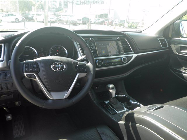 Certified Pre-Owned 2016 Toyota Highlander