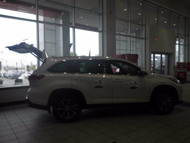 Certified Pre-Owned 2019 Toyota Highlander XLE 4WD