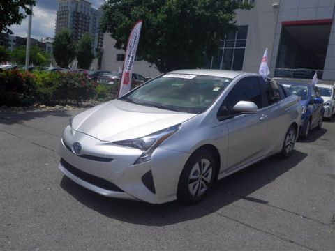 Certified Pre-Owned 2017 Toyota Prius FWD Hatchback